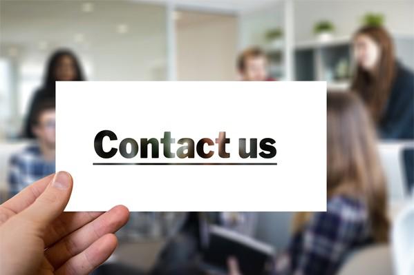 Visitenkarte mit Kontakt-Botschaft